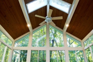 Sunroom skylights: why you should fill your sunroom with additional light