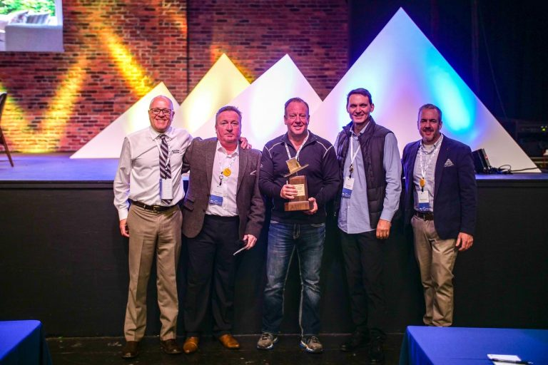 HomeTown Restyling won our award for the Largest Network Sales Growth.